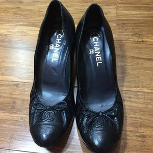 Chanel Black Bow Heels Size 38 (US 7-7.5)